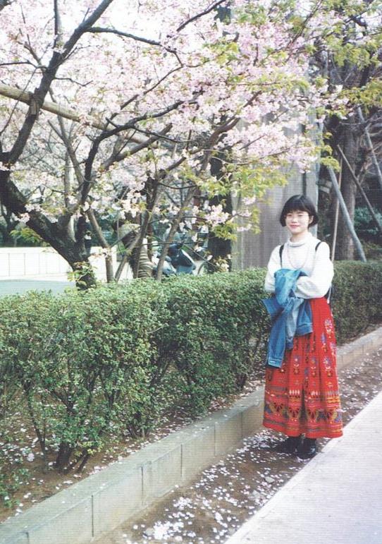 大学院時代、桜の木の下で。