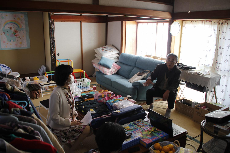 日当たりのいい和室で熱く語る土田さん。