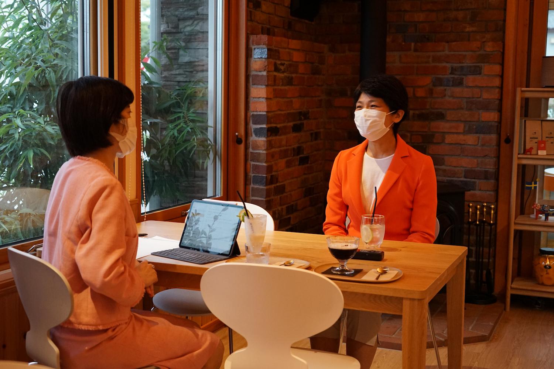 西村智奈美さんと打越さく良。